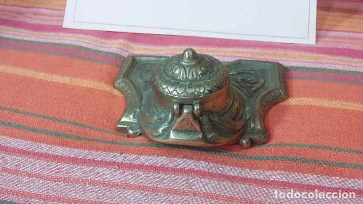 Antigüedades: Antigua escribania en bronce, con el pozo original de cerámica bien conservado - Foto 3 - 69721865
