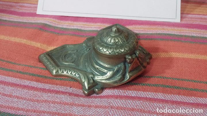 Antigüedades: Antigua escribania en bronce, con el pozo original de cerámica bien conservado - Foto 4 - 69721865