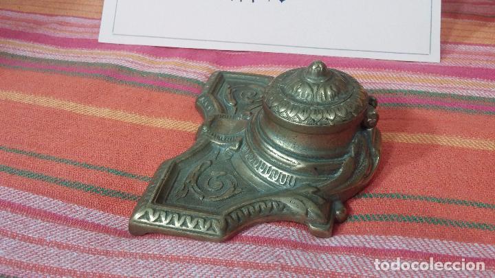 Antigüedades: Antigua escribania en bronce, con el pozo original de cerámica bien conservado - Foto 5 - 69721865