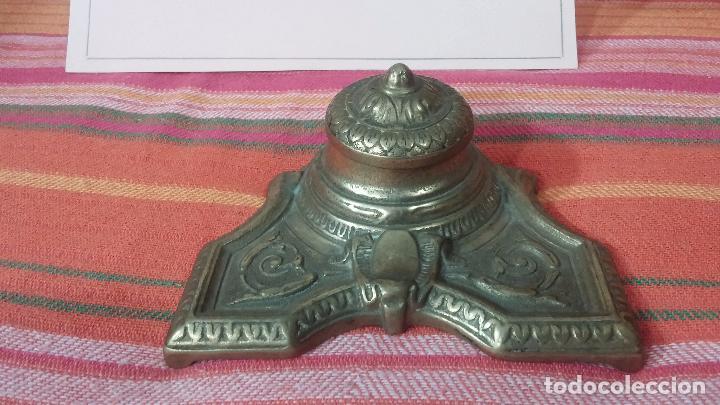 Antigüedades: Antigua escribania en bronce, con el pozo original de cerámica bien conservado - Foto 8 - 69721865