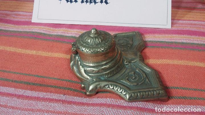 Antigüedades: Antigua escribania en bronce, con el pozo original de cerámica bien conservado - Foto 9 - 69721865