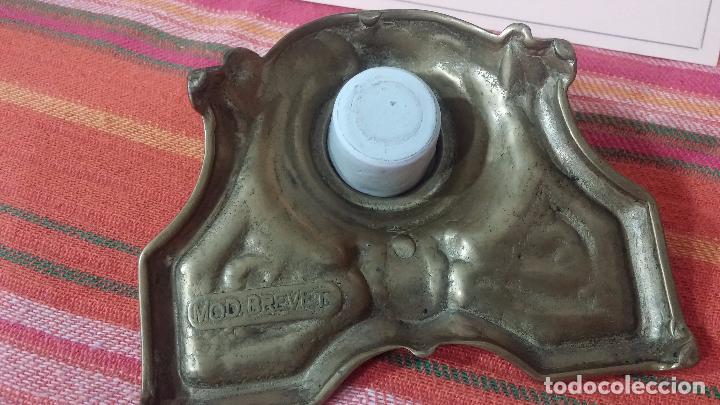 Antigüedades: Antigua escribania en bronce, con el pozo original de cerámica bien conservado - Foto 12 - 69721865