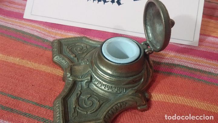 Antigüedades: Antigua escribania en bronce, con el pozo original de cerámica bien conservado - Foto 18 - 69721865