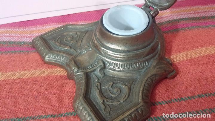 Antigüedades: Antigua escribania en bronce, con el pozo original de cerámica bien conservado - Foto 24 - 69721865