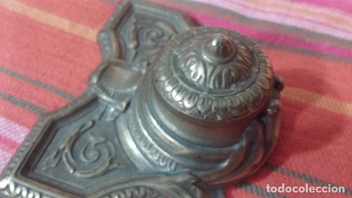 Antigüedades: Antigua escribania en bronce, con el pozo original de cerámica bien conservado - Foto 27 - 69721865