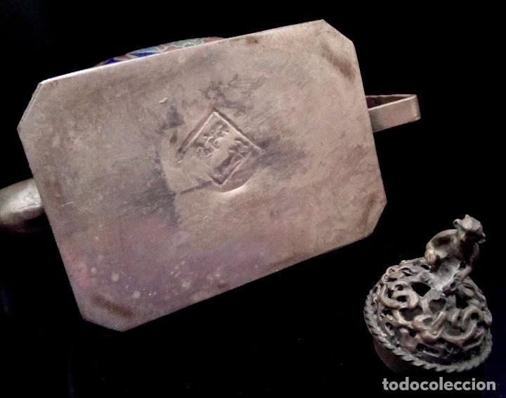 Antigüedades: ANTIGUA TETERA DE PLATA REPUJADA Y FILIGRANA, CON DEIDAD EN CLOISONNE - 152 GRAMOS. - Foto 10 - 70058149