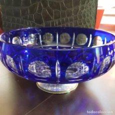 Centro de mesa de cristal de Bohemia azul cobalto y transparente