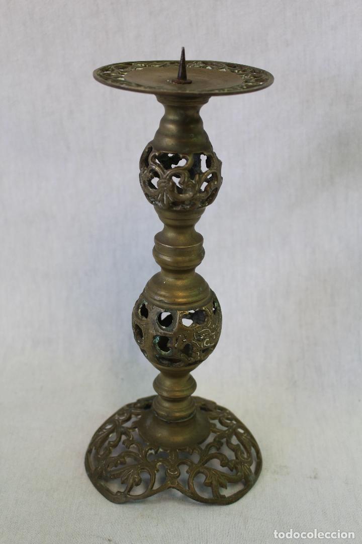 Antigüedades: candelero de altar candelabro en bronce - Foto 4 - 70127177