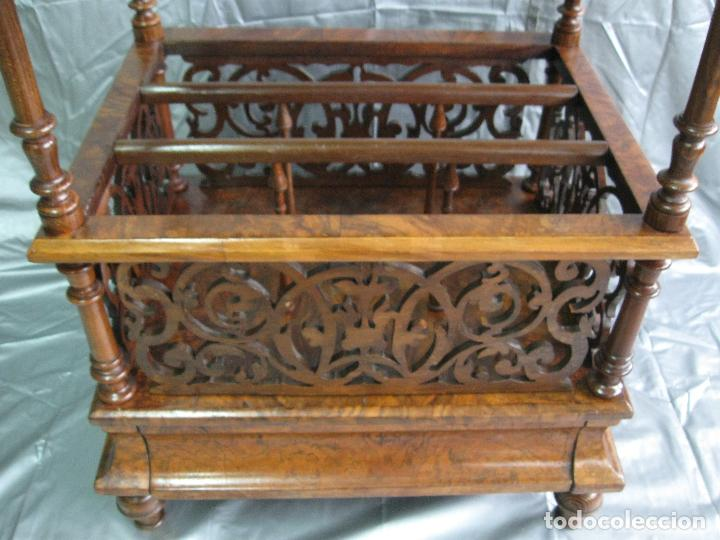 Antigüedades: Revistero mesa Canterbury victoriano de madera de nogal. Inglaterra fin S.XIX - Foto 4 - 70147977