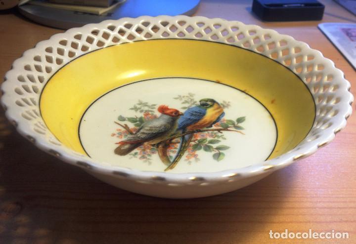 Antigüedades: Cuenco porcelana de BAVARIA- SCHUMAN- borde calado y decorado- Muy buen estado - Foto 2 - 70186841