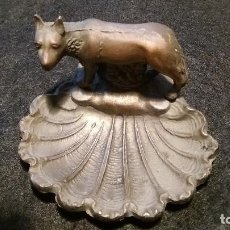 Antigüedades: BENDITERA METAL ROMULO Y REMO LOBA ROMA UNICA. Lote 70238917