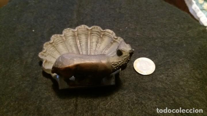 Antigüedades: BENDITERA METAL ROMULO Y REMO LOBA ROMA UNICA - Foto 3 - 70238917