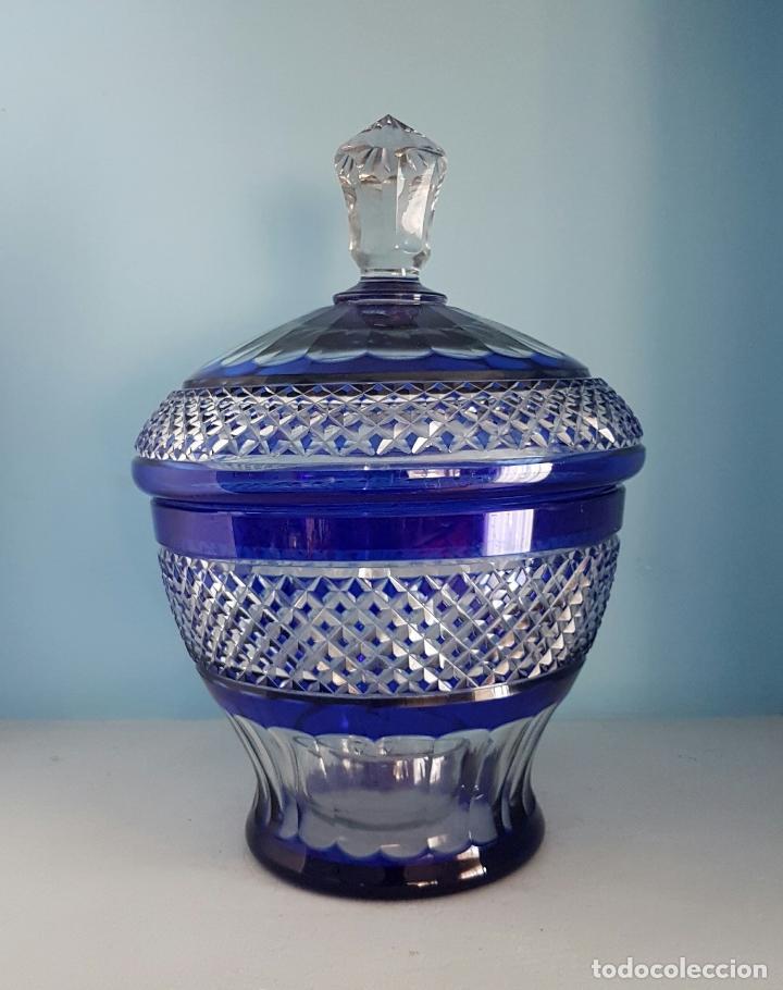 Antigüedades: Impresionante ponchera antigua en cristal de bohemia tallado a mano azul encamisado, años 20 . - Foto 2 - 70263481