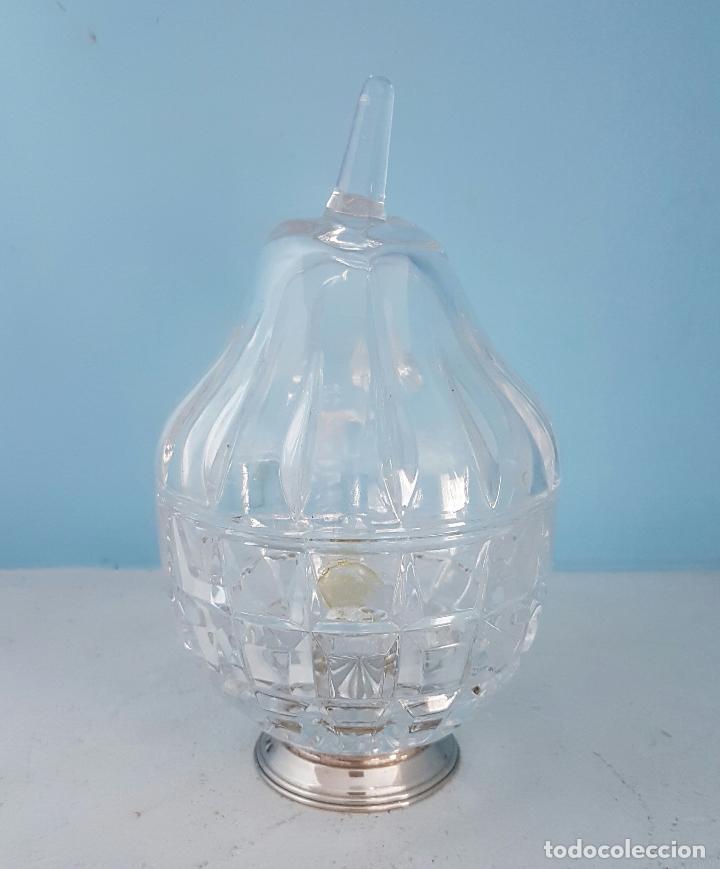 Antigüedades: Azucarero antiguo en cristal tallado y pie de plata de ley contrastada, con forma de pera . - Foto 2 - 70331605