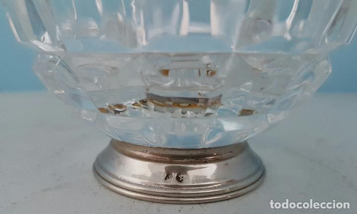 Antigüedades: Azucarero antiguo en cristal tallado y pie de plata de ley contrastada, con forma de pera . - Foto 4 - 70331605