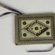 Antigüedades: DMC-18 TARJETERO EN HUESO CON INCRUSTACIONES. SIGLO XIX-XX.. Lote 50442316