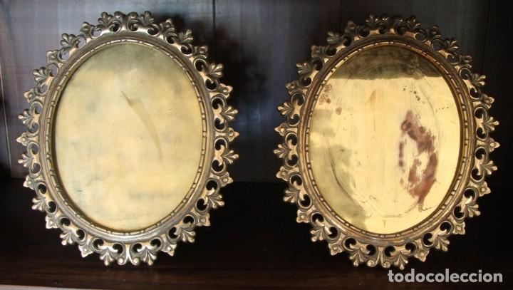 Antigüedades: MAGNIFICA PAREJA ANTIGUOS MARCOS PORTAFOTOS PORTARETRATOS PARA ESPEJO...DE SOBREMESA EN BRONCE - Foto 6 - 70468217