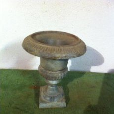 Antigüedades: BONITA Y RARA COPA DE HIERRO MACIZO. Lote 70586565