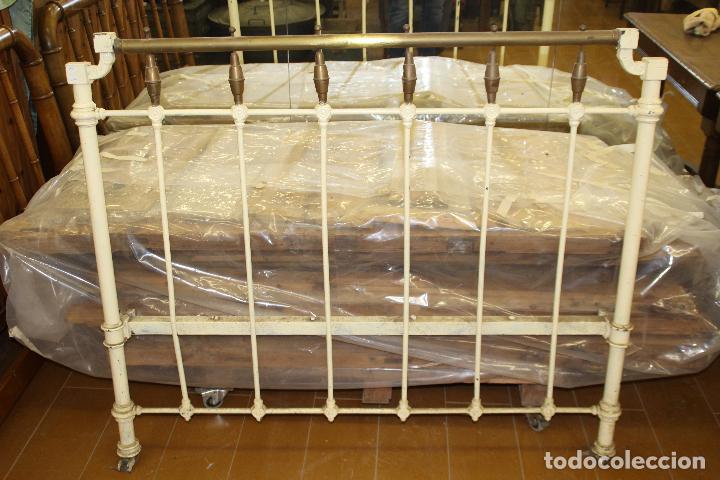 Antigüedades: CAMA DE HIERRO ANTIGUA (SIN RESTAURAR) - Foto 2 - 54803221
