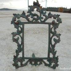 Antigüedades: ANTIGUO MARCO DE METAL CON PÁTINA DE BRONCE. Lote 71133505