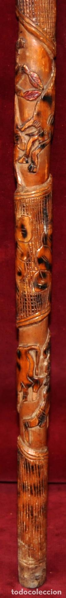 Antigüedades: ANTIGUO BASTON EN MADERA TROPICAL Y DECORACIONES TALLADAS A MANO. CIRCA 1900 - Foto 4 - 71174053
