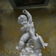 Antigüedades: ANGEL CON PEANA DE PORCELANA ALGORA. Lote 71174182