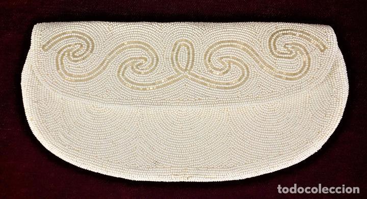 BOLSO DE FIESTA. BORDADO PROFUSAMENTE CON ABALORIOS DE CRISTAL. BÉLGICA.1950 (Antigüedades - Moda - Bolsos Antiguos)