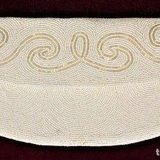Antigüedades: BOLSO DE FIESTA. BORDADO PROFUSAMENTE CON ABALORIOS DE CRISTAL. BÉLGICA.1950. Lote 71184817