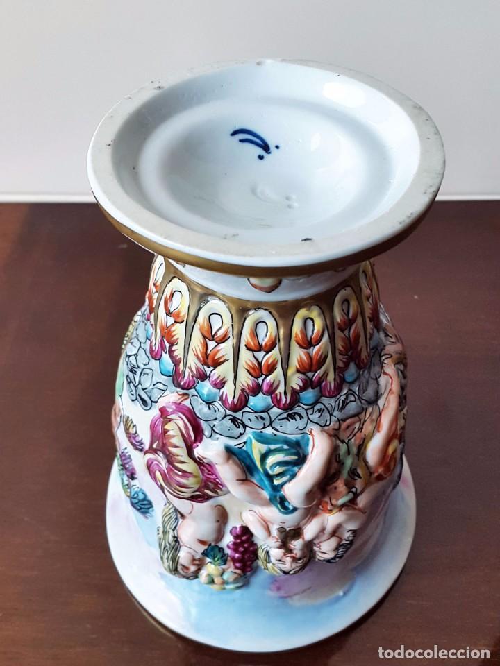 Antigüedades: Jarrón Capodimonte pintado a mano. - Foto 3 - 71236975