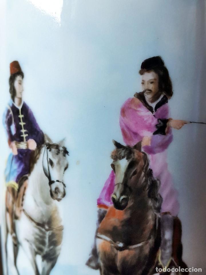 Antigüedades: FLORERO VIOLETERO PINTADO A MANO Y FIRMADO MOISES ALVAREZ. SANTA CLARA - Foto 2 - 71330947