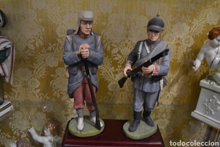 Antigüedades: figuras de soldados porcelana algora en - Foto 2 - 71458965