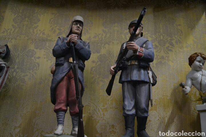 Antigüedades: figuras de soldados porcelana algora en - Foto 3 - 71458965