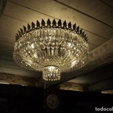 Antigüedades: ANTIGUA LAMPARA DE BRONCE Y CRISTAL. Lote 71475219