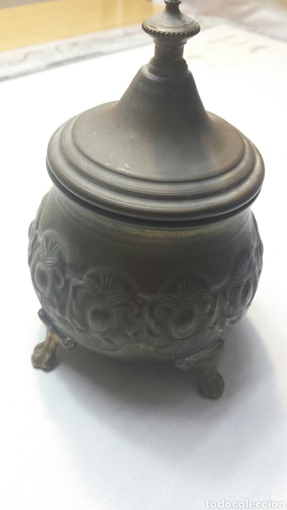 JARRON ANTIGUO CON TAPA EN BRONCE (Antigüedades - Hogar y Decoración - Jarrones Antiguos)