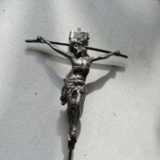 Antigüedades: CRISTO EN LA CRUZ.- MIDE 12 X 9 CM. - CONTRASTES EN LA BASE. Lote 71609031