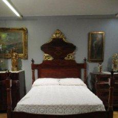 Antigüedades: ANTIGUA CAMA - ISABELINA - MADERA DE CAOBA - MARQUETERÍA - TALLA DE MADERA DORADA - PERFECTA!!!. Lote 71638415