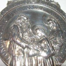 Antigüedades: ANTIGUA MEDALLA DE GRAN TAMAÑO DE PLATA MACIZA Y FIRMADA POR J.MUNTAÑOLA Y J.LL.. Lote 71668511