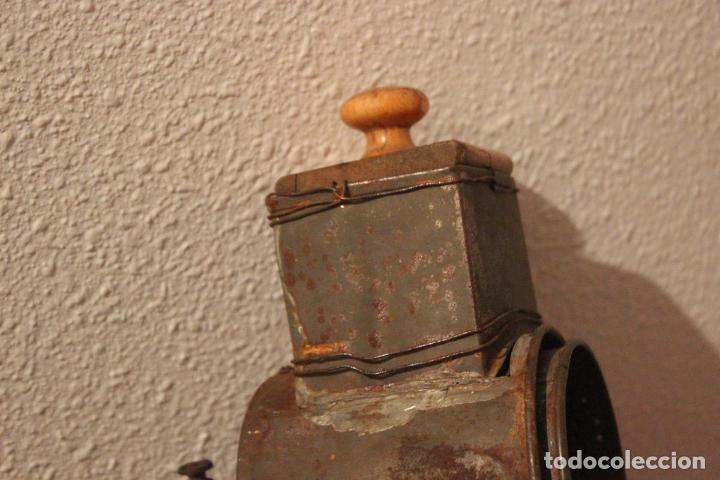 Antigüedades: Antiguo molinillo con base de hierro, sin marca. 30 cm - Foto 2 - 93033544