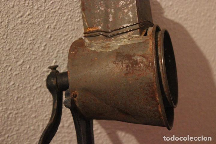 Antigüedades: Antiguo molinillo con base de hierro, sin marca. 30 cm - Foto 3 - 93033544
