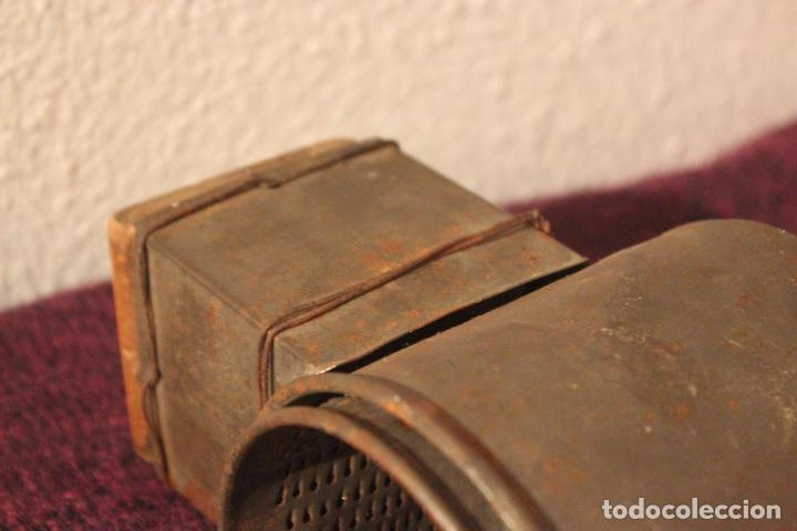 Antigüedades: Antiguo molinillo con base de hierro, sin marca. 30 cm - Foto 10 - 93033544