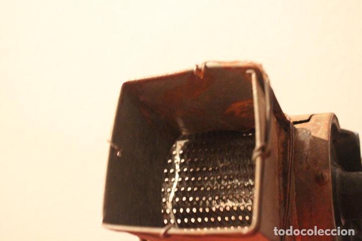 Antigüedades: Antiguo molinillo con base de hierro, sin marca. 30 cm - Foto 14 - 93033544