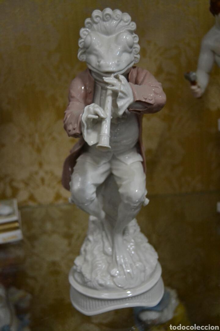FIGURA DE PORCELANA ALGORA (Antigüedades - Porcelanas y Cerámicas - Algora)