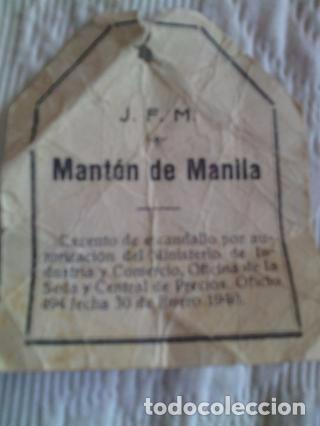 Antigüedades: Mantón de Manila antiguo de seda natural bordado a mano con fleco anudado a mano - Foto 4 - 71739663