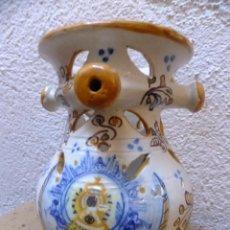 Antigüedades: JARRA BURLADERA DE TALAVERA CON LA VIRGEN DEL PRADO. Lote 71759231