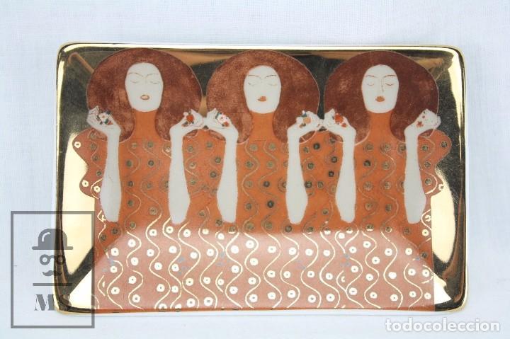 CENICERO / PEQUEÑA BANDEJA DE PORCELANA VIDRIADA - PINTURA DE GUSTAV KLIMT - BELVEDERE (Antigüedades - Porcelanas y Cerámicas - Otras)