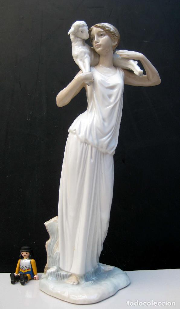 JOYA! PASTORA GRIEGA DE FULGENCIO GARCIA 1963 FIGURA PORCELANA ZAPHIR LLADRO ORIGINAL PRIMERA EPOCA (Antigüedades - Porcelanas y Cerámicas - Lladró)