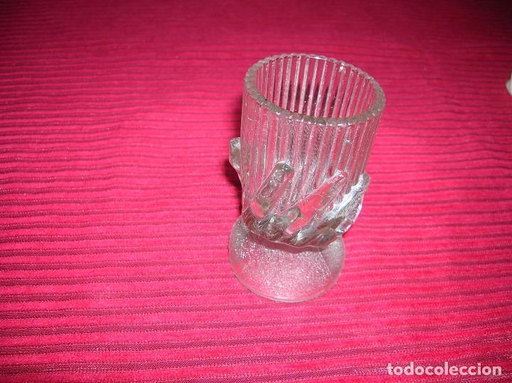 Antigüedades: Muy original copa de cristal con figura de mano .Firma Portieux - Foto 2 - 71907223