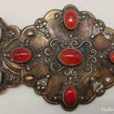 Antigüedades: ANTIGUA HEBILLA TURCOMANA DE BRONCE, PLATA, CORNALINAS Y TURQUESAS. Lote 71946355