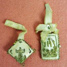 Antigüedades: PAREJA DE ESCAPULARIOS EN TELA. ENTORCHADO DE LATON SOBRE TELA. CIRCA 1920.. Lote 72007447