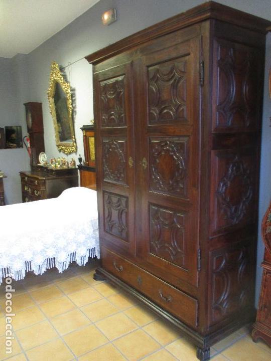 ANTIGUO ARMARIO - BARROCO CATALÁN - MADERA DE NOGAL - MARQUETERÍA MADERA DE BOJ - SIGLO XVIII (Antigüedades - Muebles Antiguos - Armarios Antiguos)